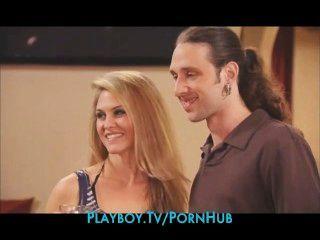 Nueva pareja se introduce en una orgía de swingers