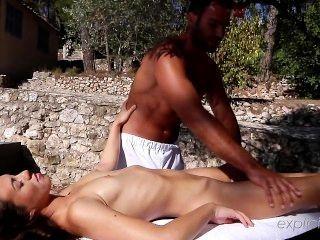 Explicite art.com muy primer masaje tiffany muñeca