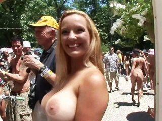 Asignación especial 68 miss nude north america escena 2