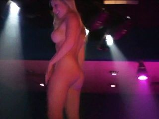 Wild party girls 33 escena 1