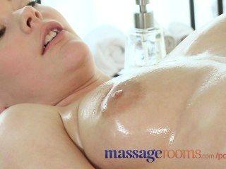 Salas de masaje rubia adolescente masajista dado fuerte orgasmo por cliente lesbiana