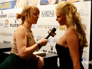 Pornhubtv phoenix marie entrevista a 2013 avn premios