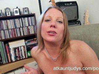 Sexy maduro alyssa holandés se masturba