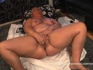 Chubby swedish woman masturbates unirse ahora para ver la escena completa