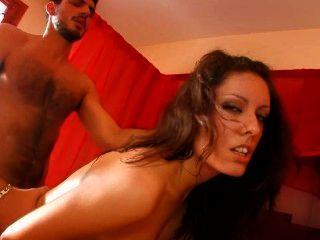 Morena española ama culo a la boca