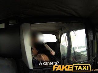 Chica faketaxi debe tragar taxi mans spunk