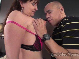 Busty milf models lingerie para un cliente