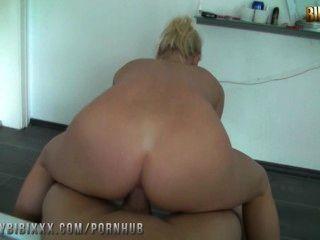 Stiefbruder reitet mich anal