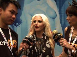 Pornhubtv rikki seis entrevista a 2014 avn premios