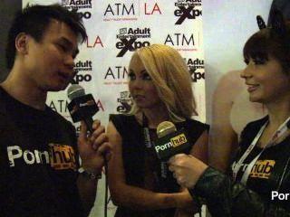Pornhubtv aaliyah amor entrevista a 2014 avn premios