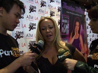 Pornhubtv austin taylor entrevista a 2014 avn premios
