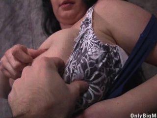 Baterista leya boobs diversión