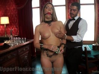 Mayordomo folla a la nueva criada