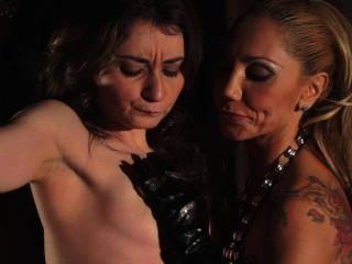Lesbianas bdsm en cámara lenta