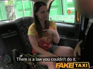 Turista de faketaxi londres chupa y folla como un profesional