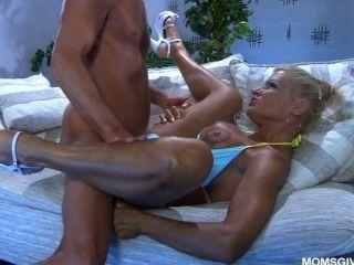 Sexy milf ruso mila anna sabe lo mejor