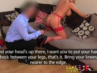 Fakeagentuk increíblemente sexy rubia milf ama todas las cosas anal