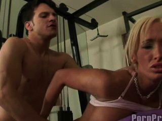 Lichelle marie follada en el gimnasio