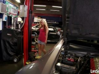 Mecánico de coches folla sexy, babes cachonda