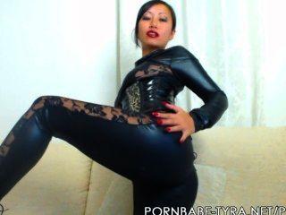 Pornbabetyra amante asiática dándole idiota de la cuenta atrás