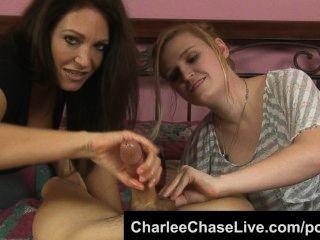 Hot tampa milf charlee chase obtiene una mano acariciando la polla!
