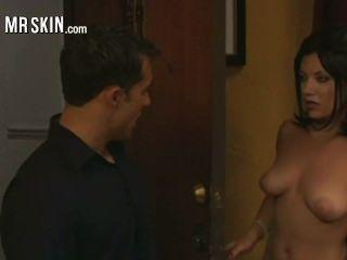Las celebridades más calientes que contestan la puerta desnuda