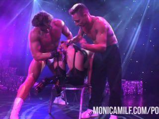 Noruego monicamilf en vivo en el escenario en sexhibition