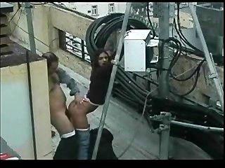 Sexo al aire libre en la terraza