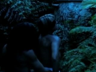 Veronika raquel consiguiendo su coño follada por un hombre lobo