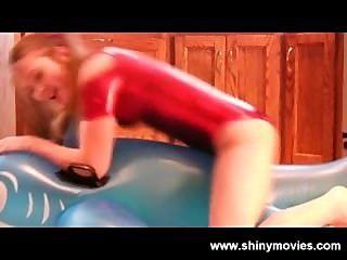 Megan joroba una ballena