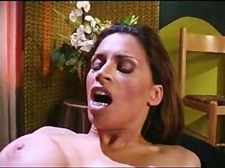 Nina mercedez sexo lesbiana