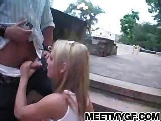 Linda rubia teen público mamada