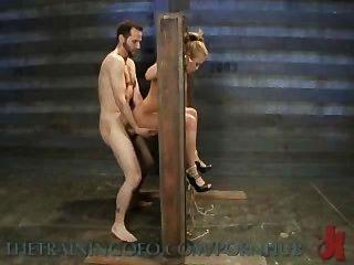 Mia lelani zorra exótica porno es atado, torturado y jodido