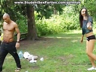 Tres muchachas sexy del estudiante fuck black guy