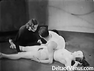 Vintage 1930s ffm threesome nudist bar