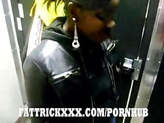 Black freaky hoe pussy cerrar la puerta del baño sólo 2 obtener nuevo nutt