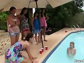 Alguna vez comido coño en una piscina?