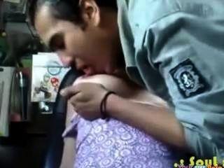 Chica india quiere su polla tan mal