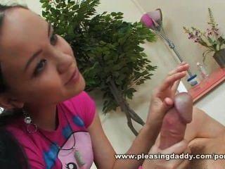 Viejo chico tiene un final feliz por chica de masaje asiática