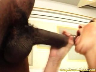 Crazy monster cock hard fuck y el trabajo oral con cumshot