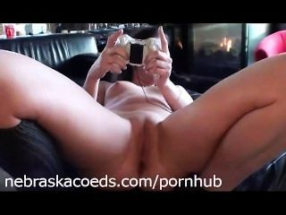 Ex novia jugando xbox desnuda y jugando con ella