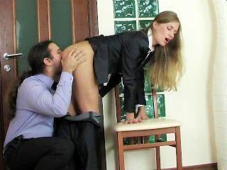 Secretaria de oficina rusa