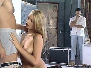 Nikki anderson modelo de moda sesión de fotos se convierte en sexo trio