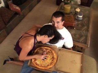 Pizza de salchicha grande para usted