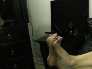 Humillación de la esclava de pies