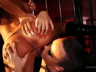 Angelina haciendo sophia santi su esclavo de sexo
