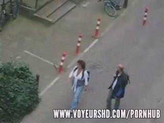 Voyeur atrapado sexo bajo su balcón