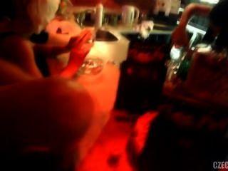Chicas checas estaban follando en el club nocturno paraíso dulce en praga