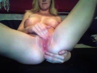 Babyyygirl420 masturbándose