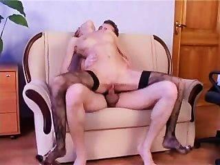 Chica rusa follada en medias negras